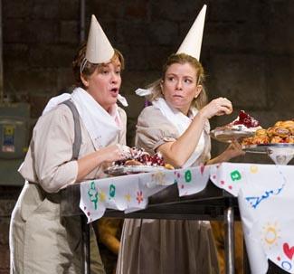 Alice Coote and Christine Schäfer in HANSEL AND GRETEL, Photo: Ken Howard/Metropolitan Opera