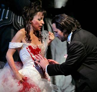 Natalie Dessay and Mariusz Kwiecien in LUCIA DI LAMMERMOOR, Photo: Ken Howard/Metropolitan Opera