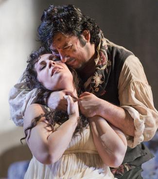 Sondra Radvanovsky and Marcelo Alvarez in IL TROVATORE; photo courtesy of Metropolitan Opera
